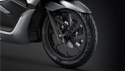 Honda-Motorcycle-มอเตอร์ไซค์-ฮอนด้า-PCX150-2017-Information-รายละเอียด-ล้ออัลลอย-NEW-ALLOY-WHEELS-WITH-MICHELIN-TYRE