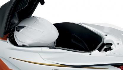 Honda-Motorcycle-มอเตอร์ไซค์-ฮอนด้า-pcx-150-2016-Information-รายละเอียด-ที่เก็บสัมภาระ-LUGGAGE-BOX-WITH-SEAT-STOPPER