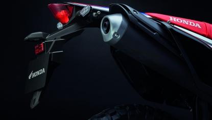Honda-Motorcycle-มอเตอร์ไซค์-ฮอนด้า-CRF250RALLY-Information-รายละเอียด-ท่อไอเสีย-SMALL-MUFFFLER-&TAIL-LAMP
