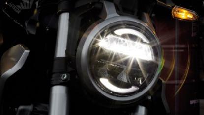 Honda-Motorcycle-มอเตอร์ไซค์-ฮอนด้า-CB300R-2018-Information-รายละเอียด-ไฟหน้า-LED-ทรงกลม-Round-Shaped-LED-Headlight