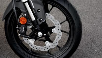 Honda-Motorcycle-มอเตอร์ไซค์-ฮอนด้า-CB300R-2018-Information-รายละเอียด-โช้กหน้าหัวกลับสีเงินขนาดใหญ่-41-มม.-speed-meter