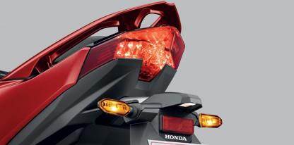 Honda-Motorcycle-มอเตอร์ไซค์-ฮอนด้า-click-125-i-2018-Information-รายละเอียด-ไฟท้าย-Dual LED Tail Light