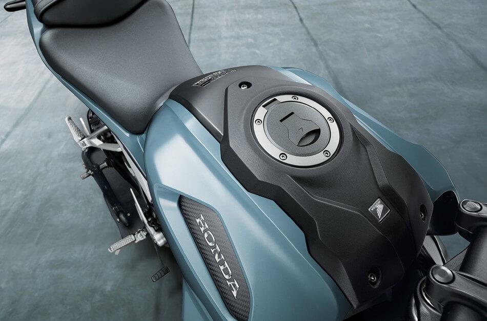 Honda-Motorcycle-มอเตอร์ไซค์-ฮอนด้า-Cb150r-Information-รายละเอียด-ถังน้ำมัน-Muscular-Designed-Fuel-Tank