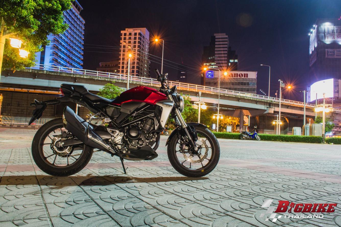 Honda-Motorcycle-มอเตอร์ไซค์-ฮอนด้า-รีวิว-review-honda-cb300r-2018-bigbike-thailand