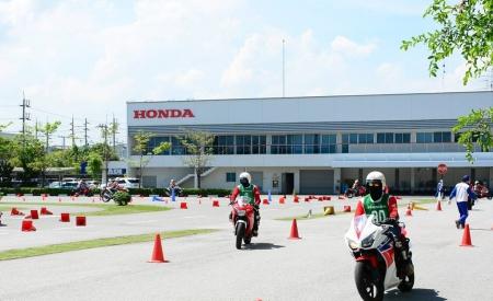 Honda-Motorcycle-bigbike-มอเตอร์ไซค์-ฮอนด้า-บิ๊กไบค์-20180321-ข่าวประชาสัมพันธ์-safety-driving-training
