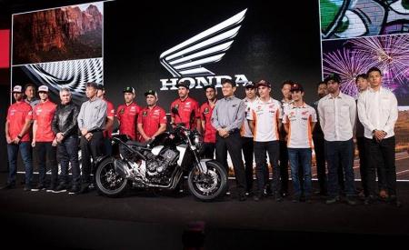 Honda-bigbike-Motorcycle-มอเตอร์ไซค์-บิ๊กไบค์-ฮอนด้า-News-ข่าวประชาสัมพันธ์-21122017-แผนทีมแข่งมอเตอร์ไซค์-Motorsport-ของ-Honda-ประจำปี-2018