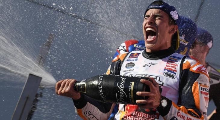 เด็กระเบิดคว้า MotoGP™ สนาม 16 พร้อมซิวแชมป์โลกอีกสมัย
