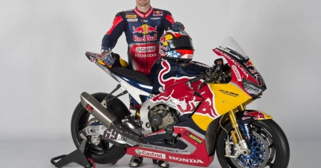 Honda-bigbike-Motorcycle-มอเตอร์ไซค์-บิ๊กไบค์-ฮอนด้า-News-ข่าวประชาสัมพันธ์-เปิดตัวทีม-Red-Bull-Honda-World-Superbike-ที่-Hangar-7
