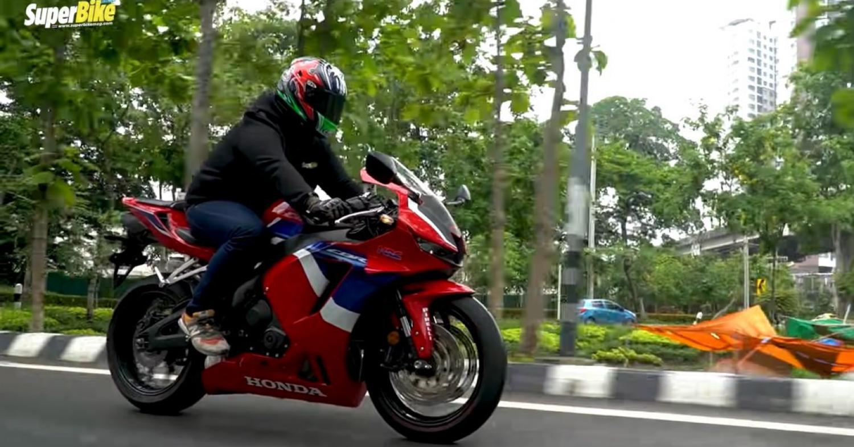 รีวิว CBR600RR - ถนนก็ดี สนามก็ยอด..!! by SuperBike